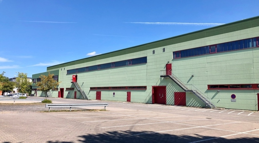 Commercial property for sale on a sole contract