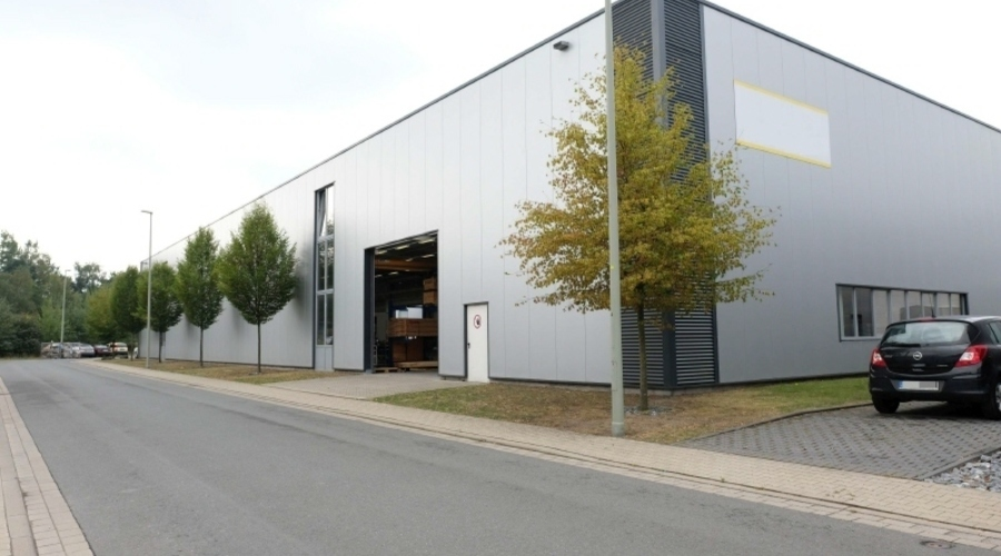 Modern production and storage halls with office space in Gütersloh
