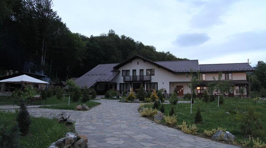 Luxury 4* Mountain Chalet For Sale