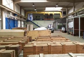 Commercial property consisting of a production hall, workshop areas, upstream office and social areas