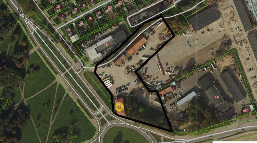 Mixed Use Complex near Port with Long-term Tenants