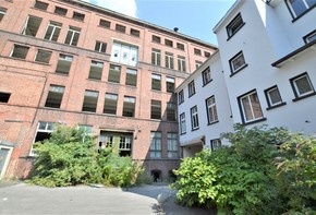 Former Factory Offers around 10,000 m² for Many Uses