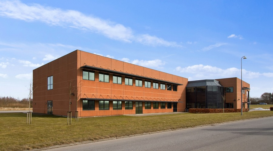 Modern office building - 2.154 m²