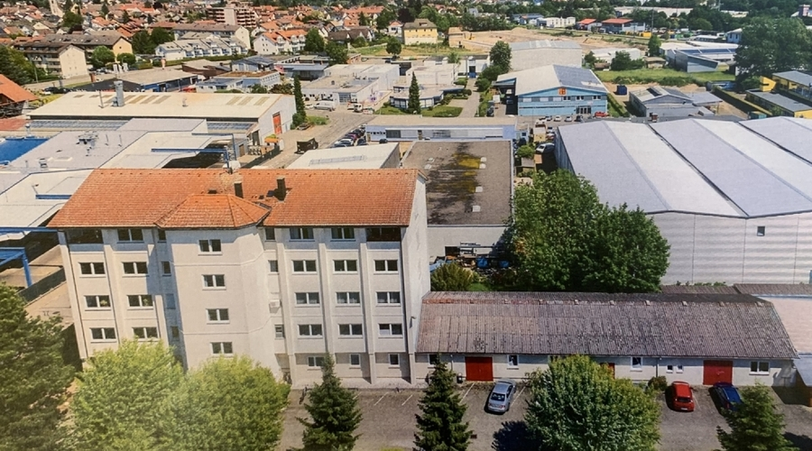 Large Commercial Property with Residential Units