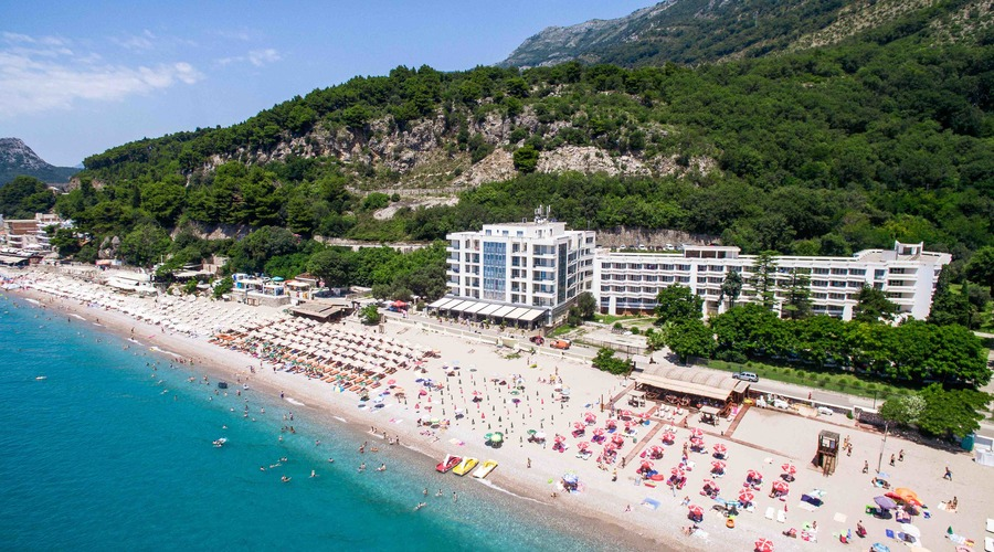 Luxury apart-hotel by the sea in Montenegro