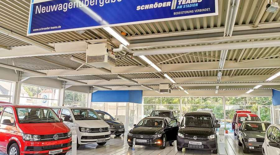 Attractive commercial property - car dealership with workshop