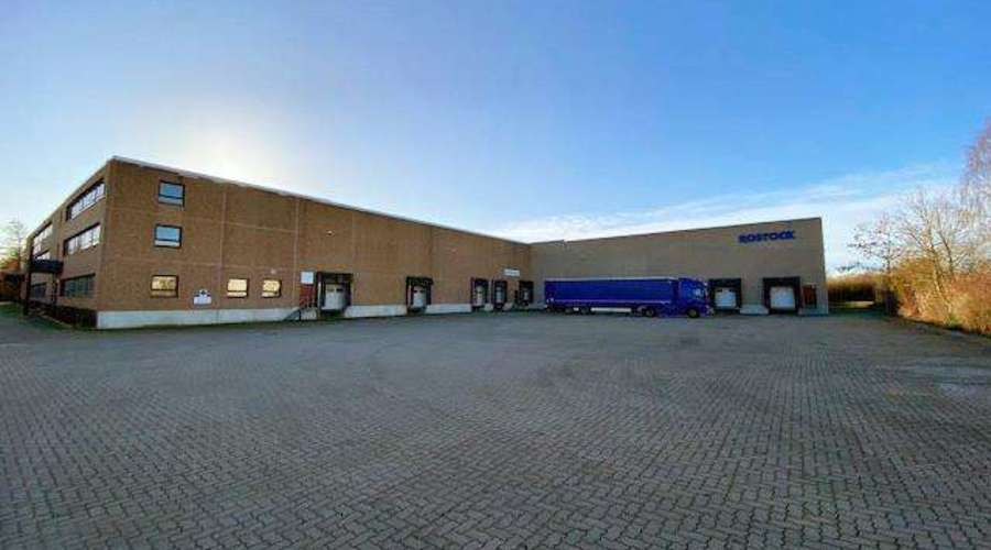 Warehouse and freight forwarding hall with office building