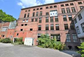 Former factory with approx. 10,000 m²