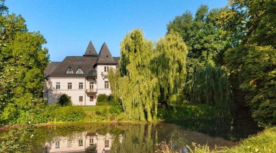 Pullach Castle