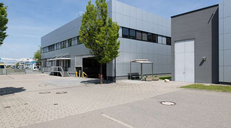Commercial property in Constance