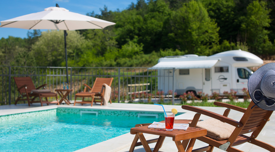 Real estate & land, Istria - camp + houses, secluded and surrounded by nature (BLUE)