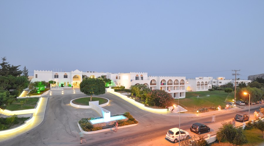 4-star Hotel with private beach in a popular tourist destination