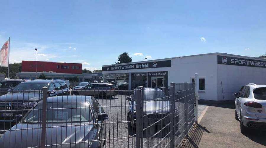 Commercial property with good returns and additional development potential