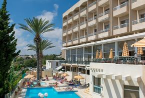 Hotel & Shops Complex in Paphos