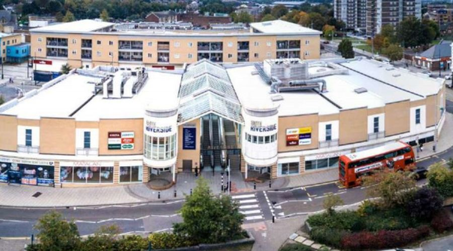 Shopping centre for sale