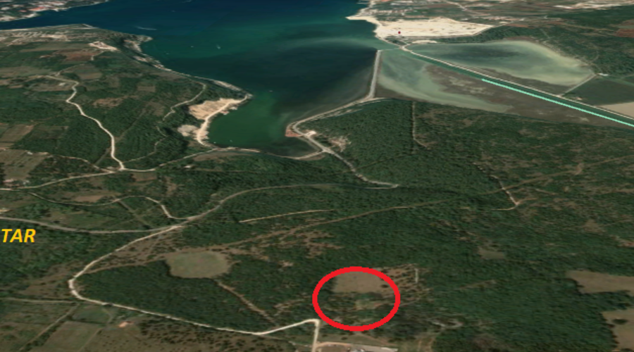 Beautiful plot of land with an area of 15,000 m2, located near the sea