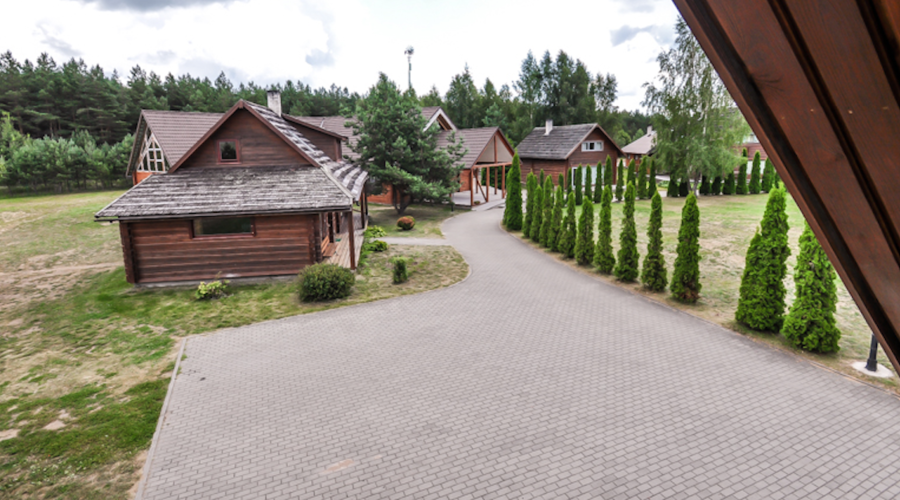 Leisure resort with a large plot for sale