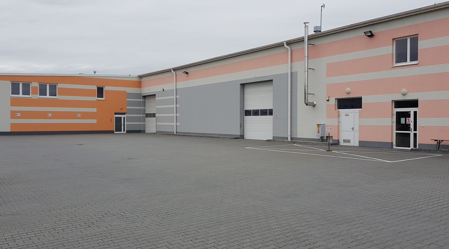 Warehouse with production hall and office space