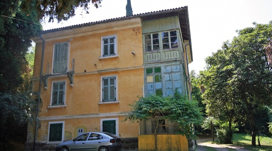 Investment opportunity in an excellent waterfront location in Slovenia