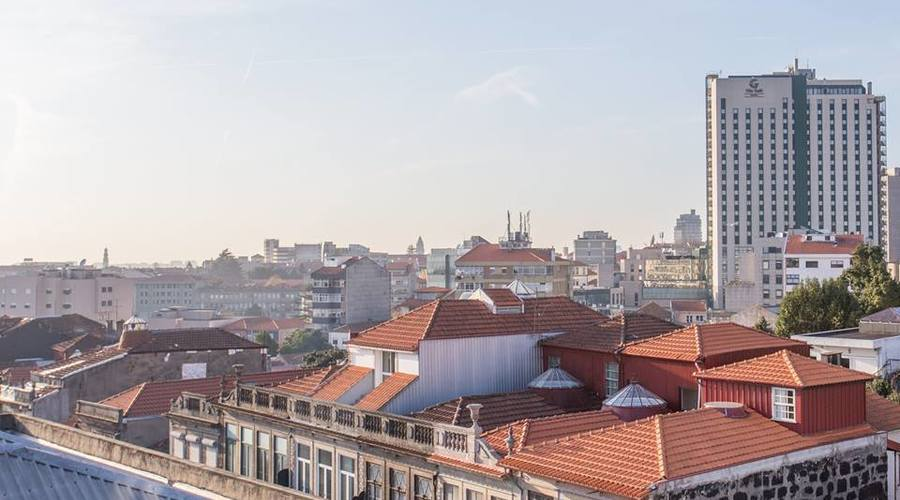 Magnificent 1940's Airbnb building completely restored in Porto/ Portugal, 100% Occupancy Rate