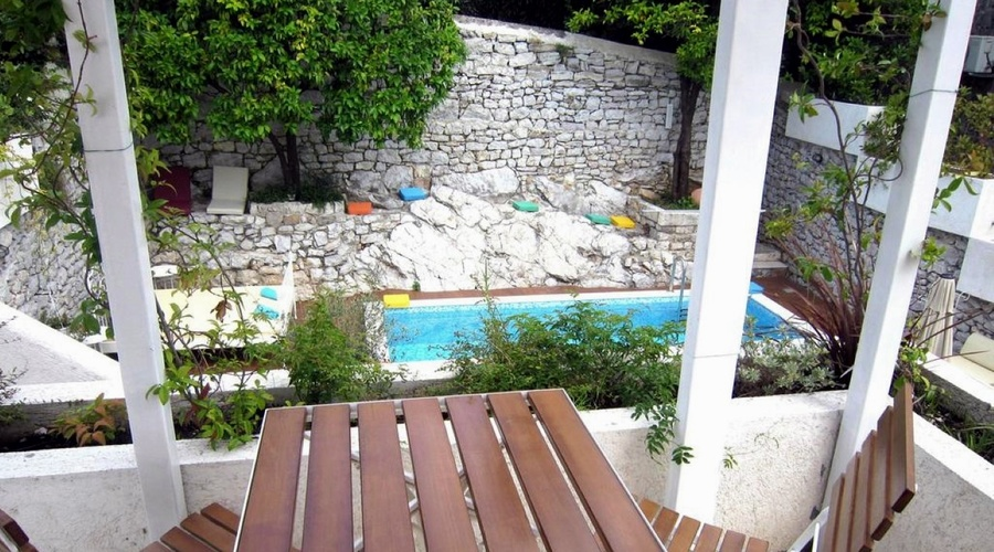 Montenegro - Garni hotel on the firs sea line