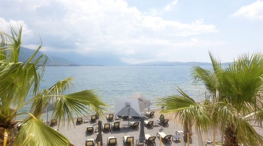Small hotel on the seafront in Bijela - Herceg Novi